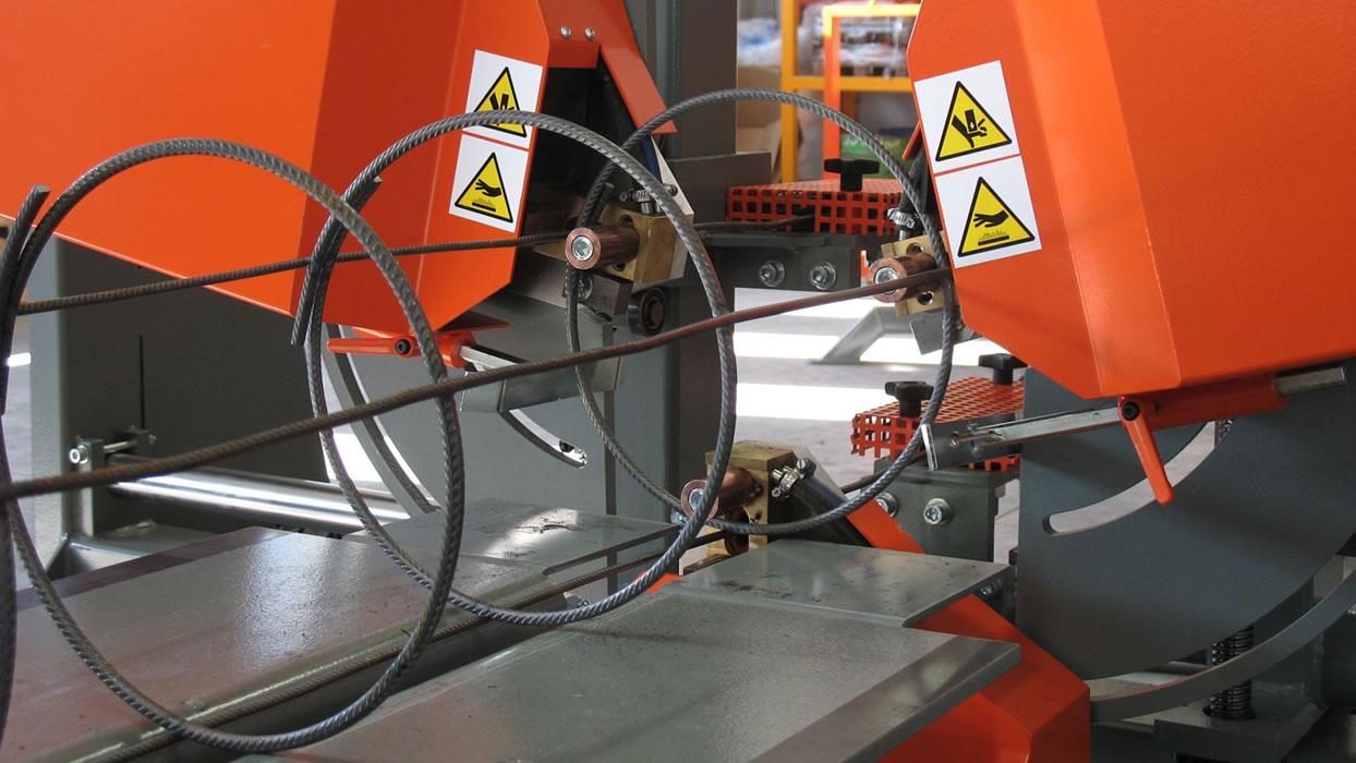Macchina per assemblare gabbie IDEA per lavorazione ferro per edilizia - Ferro Edilizia Rosta - Torino
